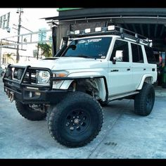 Survival camping tips Landcruiser Ute, Landcruiser 79 Series, My Dream Car, Dream Cars, Expedition Vehicle, Gmc Trucks, Jdm Cars, Hiking Gear, Sexy Cars