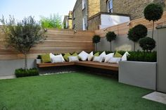 """30 Beautiful Small Garden Design For Small Backyard Ideas Patio Pin On Garden 10 Outdoor Seating Ideas To Sit Back And Relax On This Summer Garden Seating Ideas For Your … Read More """"Small Garden Seating Ideas"""" Backyard Seating, Small Backyard Landscaping, Landscaping Ideas, Backyard Ideas, Backyard Patio, Fence Ideas, Outdoor Seating, Patio Ideas, Deck Seating"""