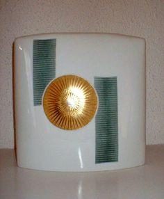 Bottega #Costantini, oggi. Vaso in #ceramica schiacciato. Bottega Costantini, today. #Ceramic #vase flattened