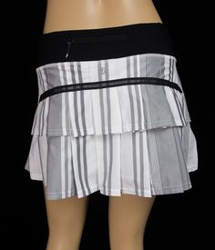 LULULEMON Run Pace Setter Skirt XS Groovy Stripe Nimbus Grey White Black Pleated #Lululemon #SkirtsSkortsDresses