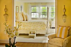Interesting Yellow Bedroom Ideas For All People: Beautiful Yellow Bedroom Ideas With Vintage Florall Bedding Style Combined With Traditional Bedroom Interior And Furniture For Inspiration Yellow Master Bedroom, Bedroom Colors, Bedroom Decor, Bedroom Ideas, Girls Bedroom, Yellow Bedrooms, Bedroom Photos, Small Bedrooms, Master Bedrooms