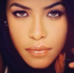 Aaliyah. Sexiest woman to have ever exist.