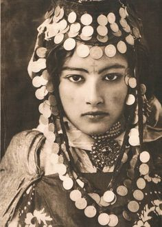 She's amazing. Photo by Jean Besancenot (1902-1992)