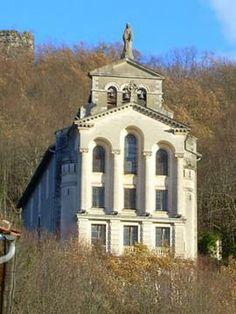 Chapelle de miègecoste sur ASPET Chapelle, Mansions, House Styles, Home Decor, Character Home, Tourism, Places, Decoration Home, Manor Houses