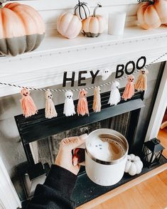 Having a tough week! Messy House, Sleepless nights with sick kids, terrible round ligament pain, Back… Casa Halloween, Halloween Home Decor, Halloween Ghosts, Fall Home Decor, Holidays Halloween, Halloween Crafts, Halloween Decorations Apartment, Halloween Mantel, Easy Halloween Decorations Diy
