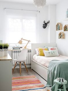 30 Comfy Small Bedroom Design Ideas For Comfortable Sleep Small Bedroom Ideas Bedroom Comfortable Comfy Design Ideas Sleep Small Bedroom Decor For Couples Small, College Bedroom Decor, Small Space Bedroom, Cute Bedroom Ideas, Small Room Decor, Room Decor Bedroom, Narrow Bedroom Ideas, Bed Room, Cozy Bedroom