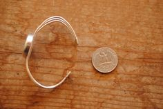 Mooie en heldere kompas mijne turquoise steen -100% zilver -Verstelbaar en past de meeste polsen -Een van een soort! -Super comfortabel   $120.00