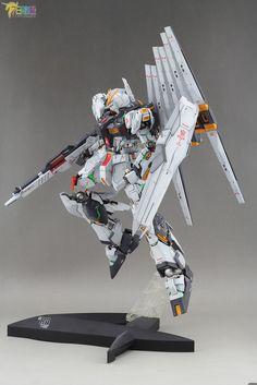 MG 1/100 Nu Gundam Ver. Ka - Customized Builds