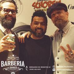 Te esperamos todos los díassss!!!!4️⃣2️⃣2️⃣4️⃣1️⃣9️⃣3️⃣#menshairworld #barbernation #barberhub #barberia #barbersarehiphop #barbertalent #barberskills #barbergrind #barberindo #barberhustle #reuzel #hairdesign #barbersinctv  #barbering #schorem #hairstyles #mensstyle #menstyle #holand #hairpost #hairproduct #hairartist #haironfleek #hairspray #hairdressers #hairclip #crazyhair #haircare #hairbyme #barberclub