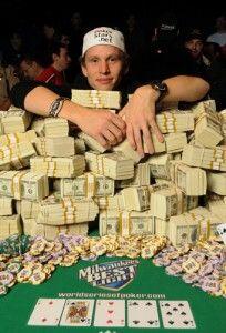 peter eastgate has that poker luck virus in the wsop main event 2008 Online Casino Games, Online Gambling, Best Online Casino, Online Casino Bonus, Online Games, Online Roulette, Der Computer, Money Stacks, Video Poker