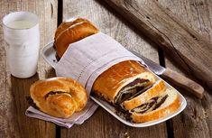 Wie bei Oma: Dieser Mohnstrudel aus Germteig kommt mit unserem Rezept garantiert nicht trocken aus dem Ofen, sondern wunderbar saftig. Cake Cookies, Cupcake Cakes, Cupcakes, Pretzel Bites, No Bake Desserts, Hot Dog Buns, Sweet Tooth, Sandwiches, Food And Drink
