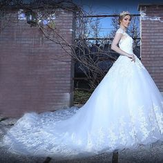 Find More Wedding Dresses Information about Royal Ball Gown Cap Sleeve Applique Lace Wedding Dresses 2016 Cathedral Train Long Brazil Bridal Gowns vestidos de novia LW6,High Quality gown shoes,China dress combination Suppliers, Cheap dress evening gowns from LaceBridal on Aliexpress.com