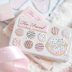 Seasons Treatings: Perfectly Pretty Christmas Gift Ideas For Her, Too Faced Sugar Cookie Palette Cute Makeup, Pretty Makeup, Makeup Goals, Beauty Makeup, Drugstore Beauty, Christmas Makeup, Christmas Gifts, Too Faced Makeup, Aesthetic Makeup