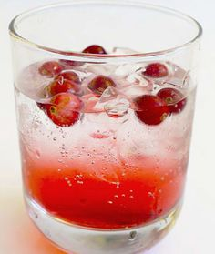 Not everyone loves Valentine's Day, but everyone loves a cocktail! So no matter what stage of the relationship game you're, in we've got a low-cal libation for you to enjoy this February 14. If you