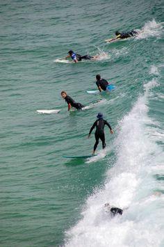 Who doesn't love Australian surfers?!