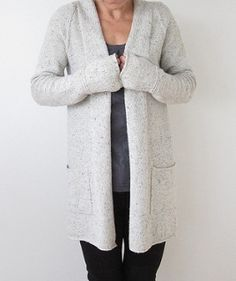 Classic, simple, wearable. Long gray knitted cardigan.