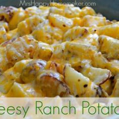 Cheesy Ranch Potatoes – My Favorite Potato Recipe - Mrs Happy Homemaker. Really making me hungry Food Dishes, Main Dishes, Side Dishes, I Love Food, Good Food, Yummy Food, Cheesy Ranch Potatoes, Great Recipes, Favorite Recipes