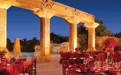 <3 the lighting on the columns