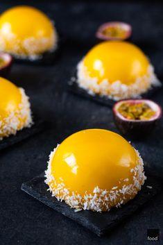 Mango, British Cake, Mirror Glaze Cake, Desert Recipes, Mini Cakes, Food Plating, Love Food, Baked Goods, Mousse