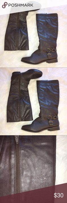 NWOT FEUX LEATHER BROWN BOOTS SIZE 11M NWOT BROWN FEUX LEATHER BOOTS. ZIP UP ALONG INNER SIDES OF LEGS. STICKERS ON BOTTOMS. ONE KNICK AS SHOWN IN PHOTOS. GREAT CONDITION. SIZE 11M. EURO 41. Cato Shoes Winter & Rain Boots