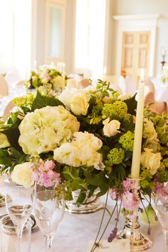 Hydrangea and rose table centres - Wedderburn Castle - image courtesy of Planet Flowers
