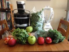 Blending vs Juicing: Which should you be doing to get all the nutrients you need? Nutritional Supplements, Natural Medicine, Superfoods, Cool Things To Make, Health Benefits, Juice, Clean Eating, Creative, Fitness