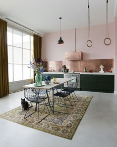 Creative powerhouse Erika Vocking took a stuffy textiles factory and transformed it into a colourful industrial home with mid-century modern style. Küchen Design, Modern Design, House Design, Sweet Home, Casa Milano, Modern Townhouse, Industrial House, Midcentury Modern, Kitchen Interior