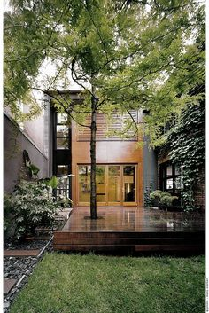 architect natalie dionne converts an old industrial building in to a contemporary house. montreal, canada.