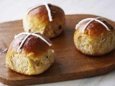 Hot buns (panes de pascua) - Anna Olson