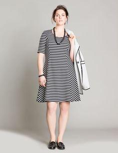 Manon Baptiste Gestreiftes Jersey-Kleid in Schwarz / Weiß