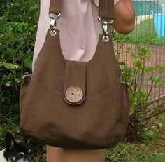 Lovely handbag - Pattern for sale on this blog.