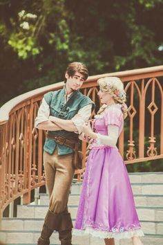 Disney Character Cosplay Flynn and Rapunzel Rapunzel Y Eugene, Disney Rapunzel, Tangled Rapunzel, Disney Fairies, Disney Cosplay, Rapunzel Cosplay, Disney Princess Cosplay, Walt Disney, Disney Magic
