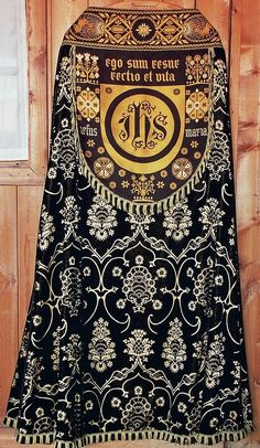 Cope Dutch, German fabrics Producer unknown Date: c. Catholic Art, Roman Catholic, Communion Sets, Bead Sewing, Gold Work, Sacred Art, Textiles, Fiber Art, Tapestry