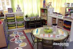 ¿CÓMO TRABAJAMOS LAS MATEMÁTICAS EN EL AULA? - diezdedos Math Games, Maths, Ideas Para, Corner Desk, Kids Rugs, School, Projects, Furniture, Home Decor
