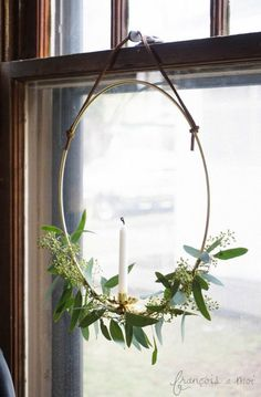 Swedish Candle Wreath | Francois et Moi #winter #eucalyptus #wreath More