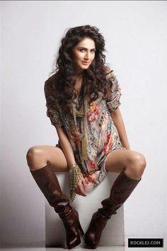 Vaani Kapoor Unseen Stylish Sizzling Hot Photo Shoot