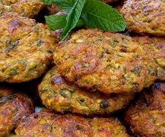 Tandoori Chicken, Salmon Burgers, Ethnic Recipes, Food, Kitchens, Essen, Meals, Yemek, Eten