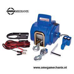 Omega Mechanix Lier elektrisch (U0705). Nu te bestellen in onze webshop!   Automatische lier voor het hijsen, vieren van bijvoorbeeld aanhangers, voertuigen, boeten en andere opjecten. Deze lier heeft een capaciteit van 5000 kg, bij gebruik van een dubbele kabel. Voorzien van een beveiliging.