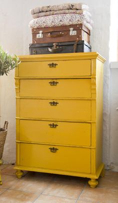 Home Decoration Cheap Ideas Code: 2285275269 Yellow Painted Furniture, Paint Furniture, Furniture Makeover, Dresser Makeovers, Colorful Furniture, Yellow Chest Of Drawers, Yellow Dresser, Restored Dresser, Yellow