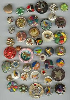 ButtonArtMuseum.com - Wonderful collection of very unique buttons.