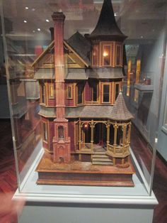 Tulsa Tiny Stuff: Antique Dollhouse - No other info available. :(