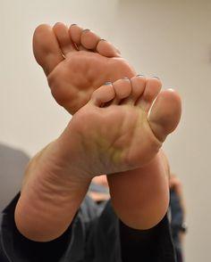 Model: @mindbody_sole  #footmodel#footjob#feetporn#footfetishgang#footfetishnation#footfetishcommunity#barefeet#beautifulfeet#piedi#feet#pedi#prettyfeet#perfectfeet#sexyfeet#soles#softsoles#latinafeet#footsex#solecharmer#thefreakiam#pies#wrinkledsoles#pedicure#cutefeet#toes#barefoot#suckabletoes#footgoddess#pied