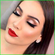 Silver Smoky Eye, Pink Smoky Eye, Smoky Eye Makeup, Makeup On Fleek, Makeup Geek, Makeup Remover, Makeup Addict, Makeup Guide, Blue Makeup