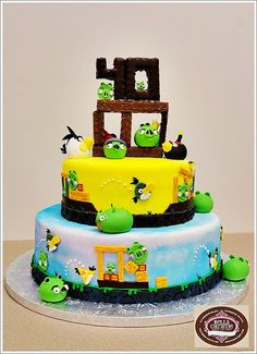 Angry Birds Cake - will have to do a less complicated version of this but would be great for Jordan's Birthday!