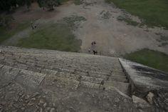 Looking down from atop the Kukulkan Pyramid Mount Rushmore, Sidewalk, Mountains, Nature, Travel, Bahia, Naturaleza, Viajes, Side Walkway