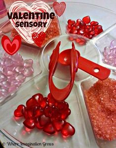 Valentine's Day Sensory Play Tray Activity for Preschoolers! Perfect for working fine motor skills too!