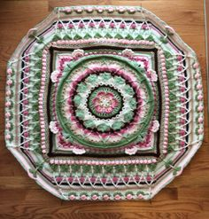 My Sophie's Universe part 7. http://www.lookatwhatimade.net/crafts/yarn/crochet/sophies-universe-cal-2015/sophies-universe-cal-2015-information/