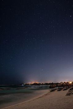 Views of the night in Bahia Principe Riviera Maya Resort by Éric Senterre, via Flickr http://www.bahia-principe.com/es/