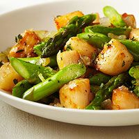 Scallop-and-Asparagus Saute with Lemon and Thyme