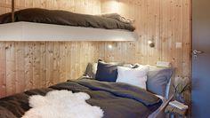enkel køyeseng Modern Lake House, Bunk Rooms, Cottage Furniture, Cabin Design, Cottage Interiors, Scandinavian Home, Interior Design, Interior Ideas, Bedroom
